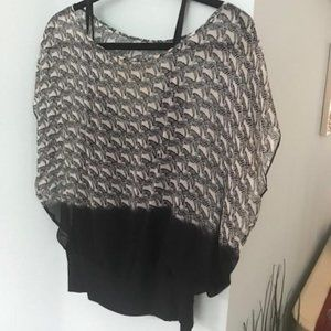 Soft print black and white top